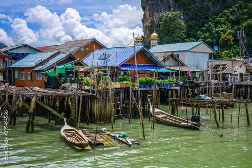 Leinwand Poster Koh Panyi fishing village, Phang Nga Bay, Thailand