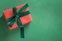 Christmas Red Giftwit Green Ve...