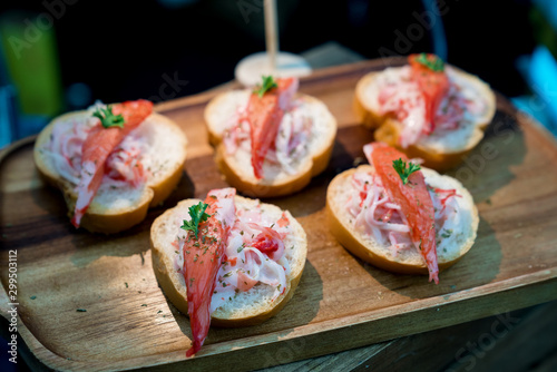 Photo snow crab canape,cocktail party food
