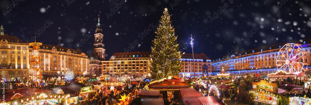 Fototapety, obrazy: Panorama of dresdener christmas market in the snow