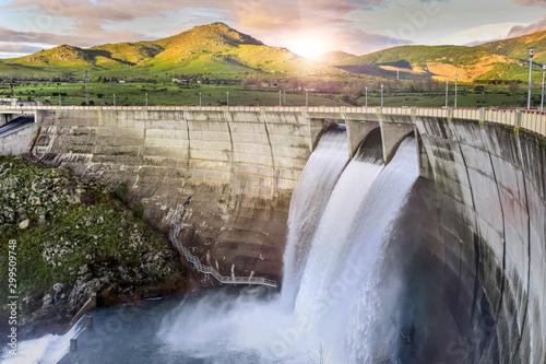 Foto auf Leinwand Wasserfalle Dam over Eresma river, Segovia (Spain). Pontoon Reservoir.