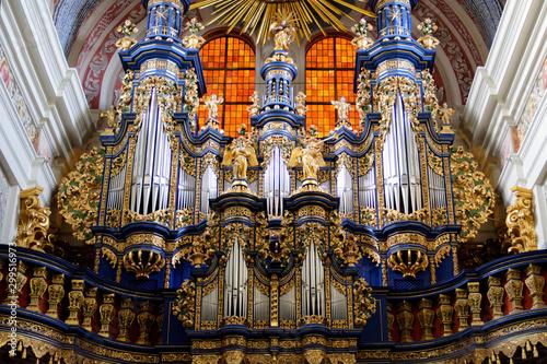 Barokowe organy w Sanktuarium Maryjnym w Świętej Lipce - fototapety na wymiar