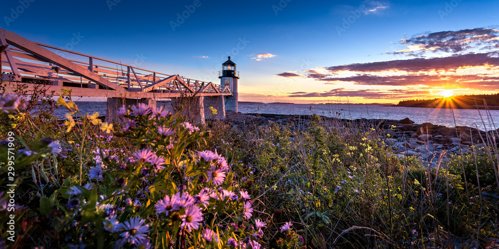 Fototapety, obrazy: The Marshall Point Light during sunset