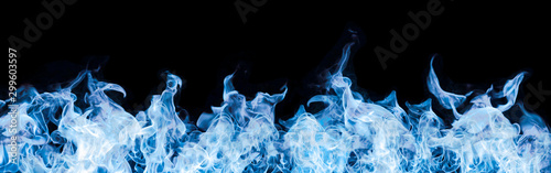 Papiers peints Feu, Flamme blue flames on black