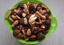 Viele Pilze - Maronen - In Ein...