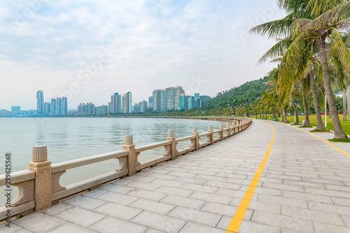 Obraz Coastal view of the South Road of couples in Zhuhai City, Guangdong Province - fototapety do salonu