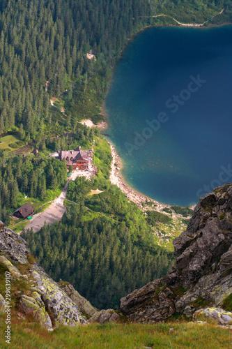 Obraz Schronisko górskie nad jeziorem Morskie Oko, Tatry - fototapety do salonu