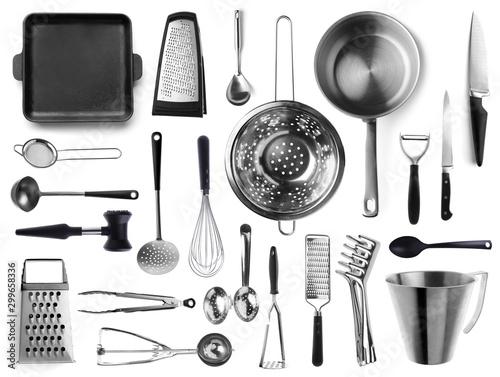 Fotografía  Set of metal kitchen utensils on white background