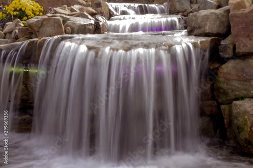 Mini waterfall © Shane