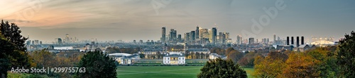 Acrylic Prints London Panoramic view of London city skyline at dusk from Greenwich Park