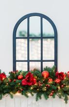 Christmas Border And Mirror Wi...
