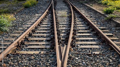 Obraz Auf Schienen werden die Güter transportiert - fototapety do salonu