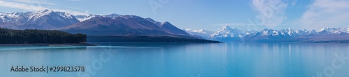 Spoed Foto op Canvas Blauw Panorama of Mount Cook and Southern Alps over Lake Pukaki, New Zealand