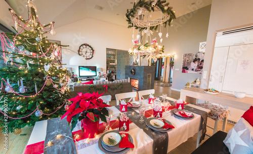 Fotografie, Tablou  święta rodzinne boże narodzenie w domowym klimacie przy stole