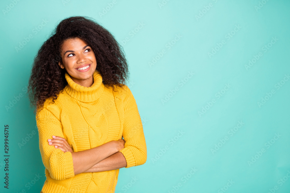Fototapety, obrazy: Close-up portrait of her she nice attractive charming cheerful wavy-haired girl wearing warm knitted sweater folded arms thinking isolated over bright vivid shine vibrant green blue color background