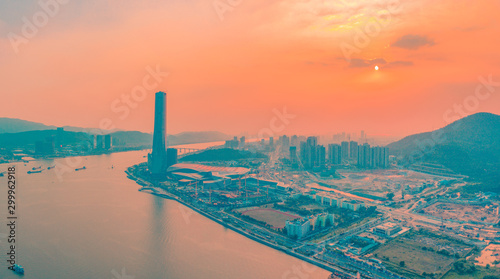 Poster Corail The dusk scenery of Zhuhai Central Building and Hengqin Financial Base in Guangdong