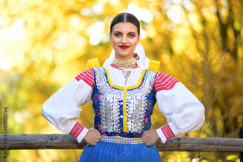 Canvas Young beautiful slovak woman in traditional costume