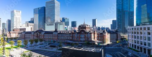 (東京都-風景パノラマ)青空の下の東京駅とビル群2 Canvas Print