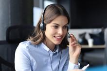 Woman Customer Support Operato...