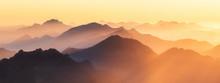 Berggipfel Der Alpen Im Abendl...