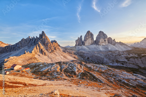 Foto auf Leinwand Lachs Sunset at Tre Cime di Lavaredo - Italian dolomites