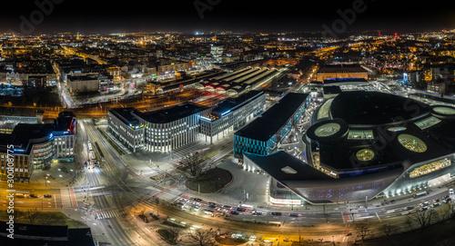 Obraz Wrocław nocą z drona - fototapety do salonu