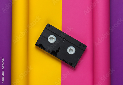 Video cassette on wrapped paper background Billede på lærred