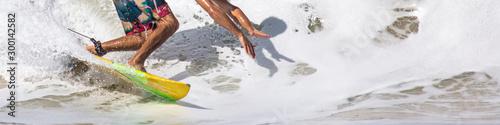 Surfista e sua sombra na onda Slika na platnu