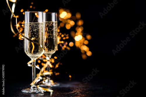 champagne glasses with sparkles Wallpaper Mural