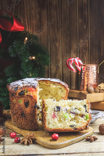 Papiers peints Pierre, Sable Traditional Christmas panettone with raisins and dried fruits