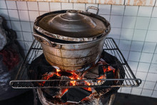 Old Cooking Pot Stove Using Fi...