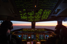 Boeing777 Cockpit