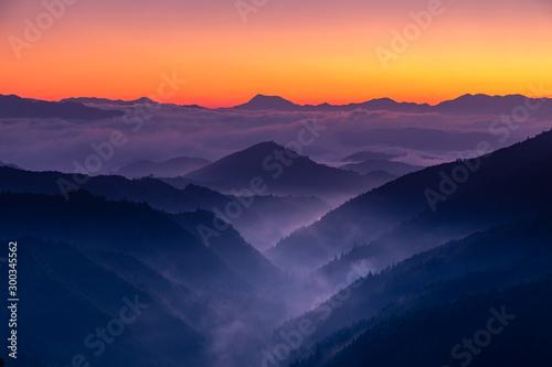 Obraz 早朝の三越峠からの眺め - fototapety do salonu