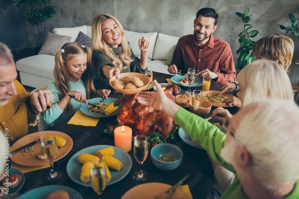 Fototapety, obrazy: Top above high angle photo of big family meeting small little kids retired people celebrate thanksgiving day october event feasting sit table enjoy banquet woman share plate grandparent in house