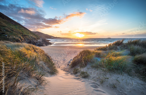 Foto auf Leinwand Lachs sunset on the beach