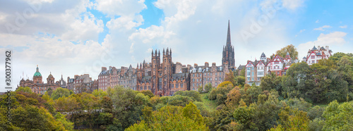 Keuken foto achterwand Oude gebouw Panoramic view of Historic Old Town of Edinburgh