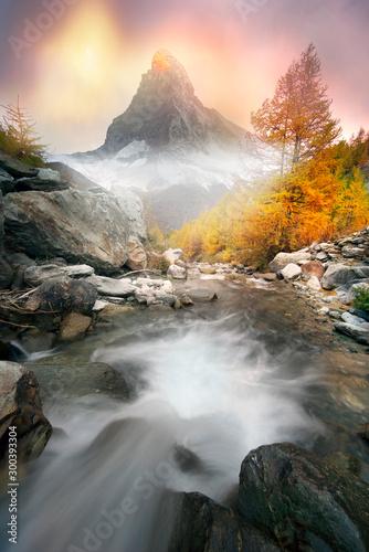 matterhorn-nad-gorskim-potokiem