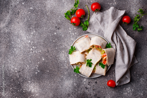 Photo Lavash rolls with chicken and vegetables