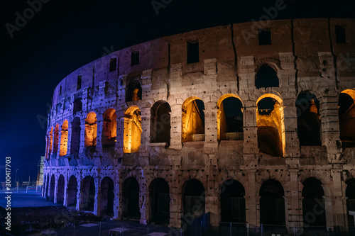 Coliseum or Colosseum or Flavian Amphitheatre at night with beautiful evening illumination, Rome, Italy Tablou Canvas