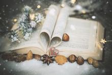 Weihnachten Buch Mit Gewürzen...