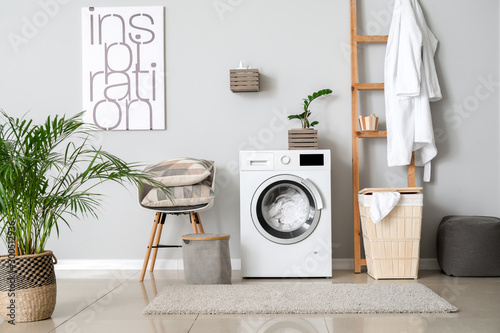 Cuadros en Lienzo  Interior of home laundry room with modern washing machine