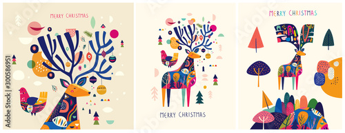 Photo  Christmas decorative illustrations with colorful deer.