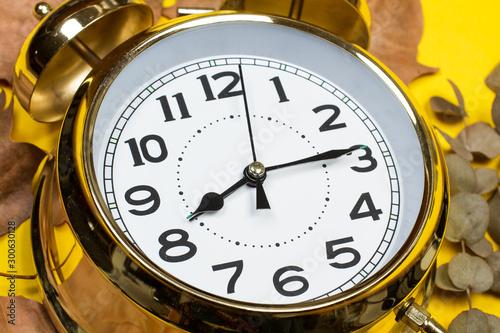 Reloj despertador vista de cerca macro