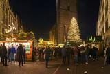 Fototapeta Kawa jest smaczna - Christmas Market around Market Church in Hannover in night, Germany