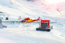 Mountain Ski Life Rescue Stati...