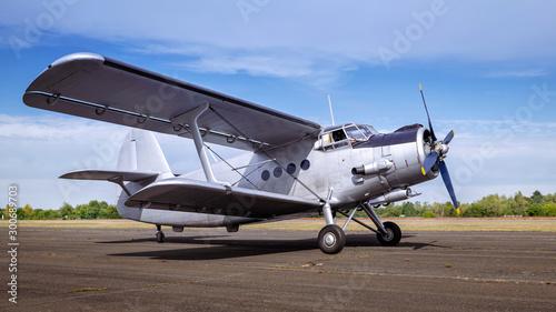 Pinturas sobre lienzo  historical aircraft on a runway