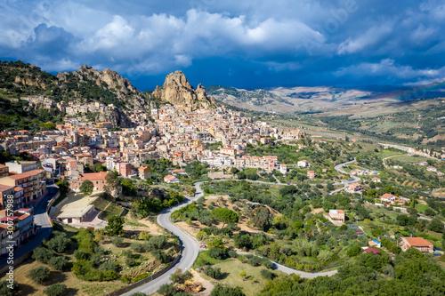 Foto auf Leinwand Khaki Aerial view of Mountainous Sicilian town Gagliano Castelferrato, Italy