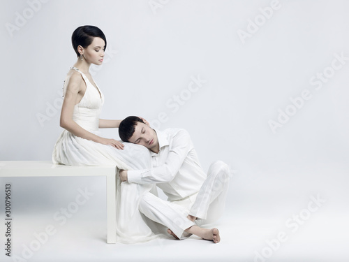 Fotobehang womenART Young elegant couple