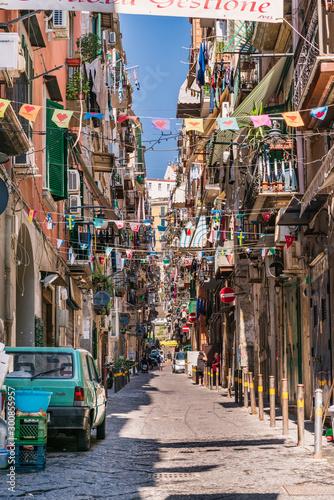 Spoed Foto op Canvas Smal steegje Napoli, Qartiere Spagnolo, Italia