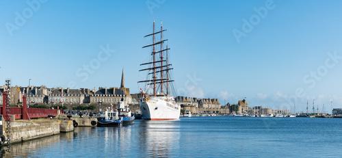 view of the Sea Cloud II luxury cruise ship in the port of Saint-Malo on the coa Fototapet